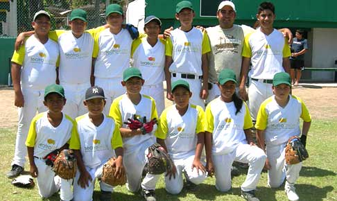 Puerto Vallarta little league team