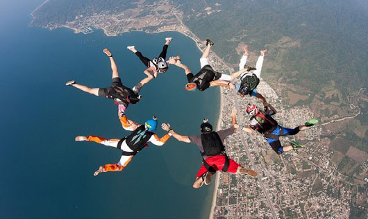 Skydivers over Banderas Bay
